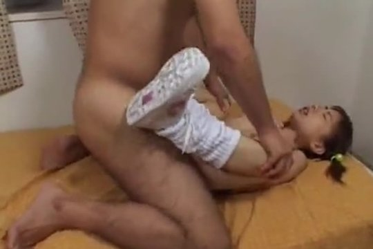 Залил мокрую шелку спермой очень юной азиатке ~ Mega-Porno.me