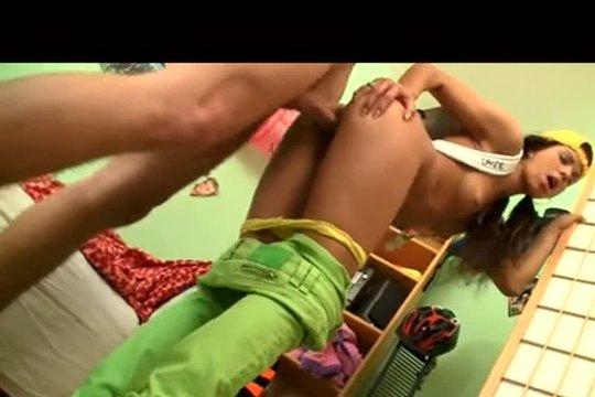 Восемнадцатилетняя Тиночка Быстренько Дала Пареньку - Смотреть Порно Онлайн