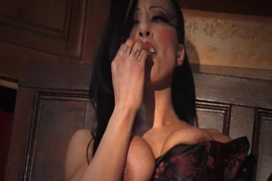 Плачет Из-За Агрессивной Дрочки - Смотреть Порно Онлайн