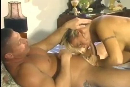 Зрелая Тётка Успешно Работает Ртом - Смотреть Порно Онлайн